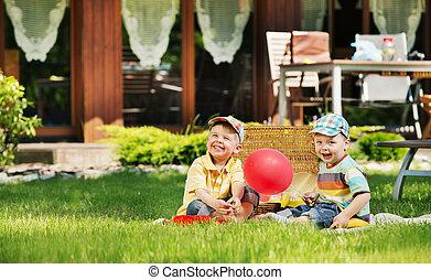 かわいい, 子供, 遊び, 庭, 2