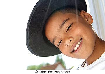 かわいい, 小さい 男の子, 黒, 微笑, 帽子