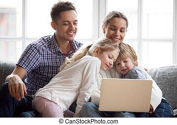 かわいい, 皮をむきなさい, ラップトップ・コンピュータ, かいま見ること, 不思議である, 使うこと, 子供