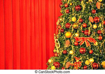 に対して, 木, ひだのある布, クリスマス, 赤