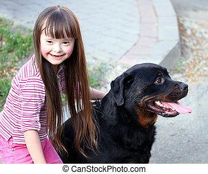 わずかしか, 大きい, 犬, 黒人の少女, 微笑