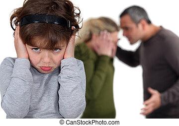 わずかしか, 彼女, 議論, parents', 女の子, 妨害