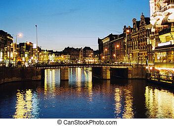 アムステルダム, 夜