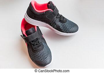 スペース, コピー, 靴, fashion., 背景, concept., 小さい, スポーツ, sneakers., shoes., 衣類, スニーカー, 子供, 付属品, isolated., 黒, ベビーの子供, 動くこと, 白