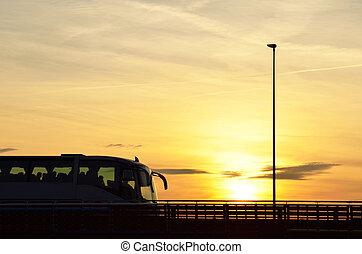 バス, 上に, 橋