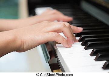 ピアノを弾く, 終わり, 女, の上, 手