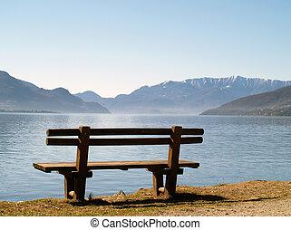 ベンチ, 湖