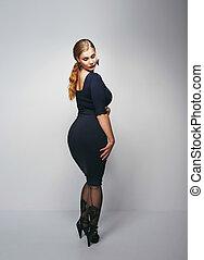 ポーズを取る, 服, 女, 黒, voluptuous