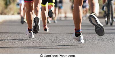 レース, マラソン走者, フィート, 道, スポーツ, 動くこと