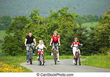 乗馬, bicycles, 家族