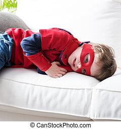 休む, わずかしか, superhero, ソファー