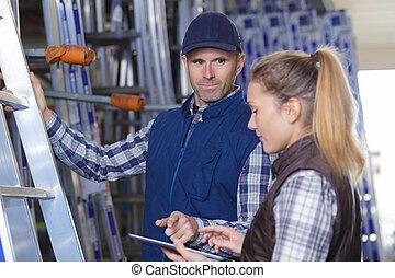 倉庫労働者