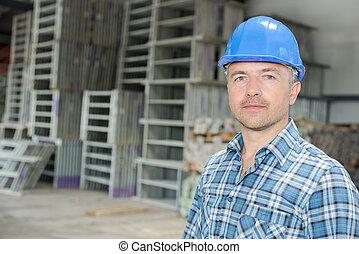 倉庫, 労働者