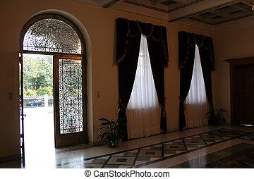入口, 宮殿