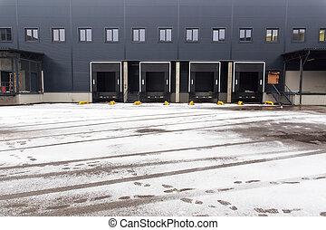 分配倉庫, 貨物, ドア
