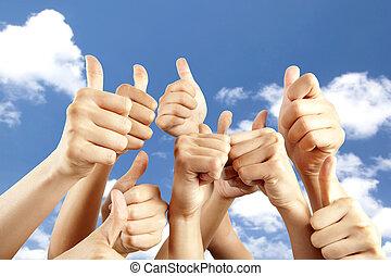 別, 親指, 多数, の上, 背景, 手, 雲