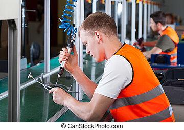 労働者, 生産