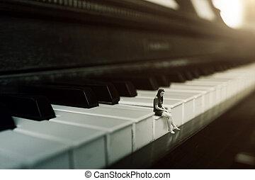単独で, ピアノ 遊ぶこと