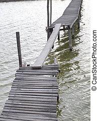 古い, 木製の橋