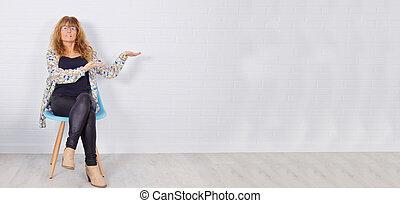 壁, スペース, 女性の モデル, ブランク, 成人, 指すこと