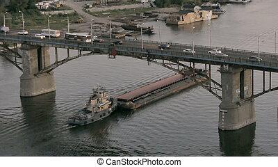 大きい, てんま船, 川, 重い, cargo., 下に, 浮く, 届く, 船, bridge.