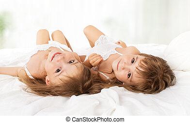 女の子, ベッド, twin, 姉妹, 子供, 幸せ