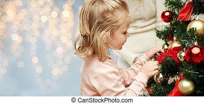 女の子, 木, クリスマス, の上, わずかしか, 飾り付ける, 終わり