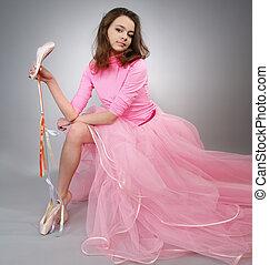女の子, pointes., ショー, ピンクのドレス, 美しい