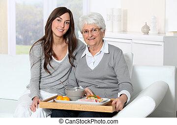 女性の モデル, トレー, ソファー, carer, 昼食, 年配の 家