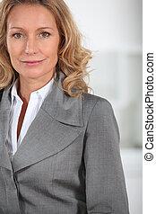 女性実業家, クローズアップ