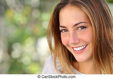 女, 微笑, 白くなりなさい, 完全, 美しい