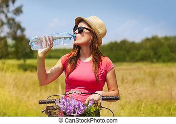 女, 水, 自転車, 活動的, 飲むこと, 寒い