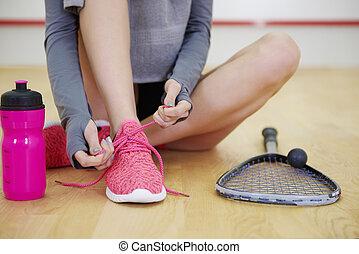 女, 法廷, スポーツ, よくわからない, 靴, 結ぶこと