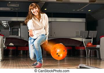 女, 若い, 気持が良い, ボール, ボウリング, 投球