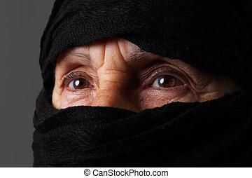 女, muslim, 目, シニア