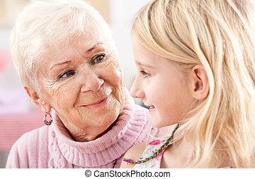 孫娘, クローズアップ, 祖母
