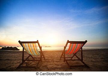 完全, concept., loungers, 休暇, 海岸, 捨てられる, 海, 対, 日の出, 浜