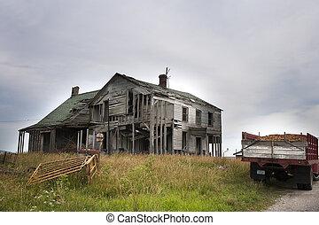 家, 引き裂かれた, 離れて