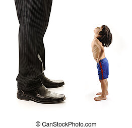 小さい, ビジネスマン, 成人, 小さい子供, 見る, 巨人, 足