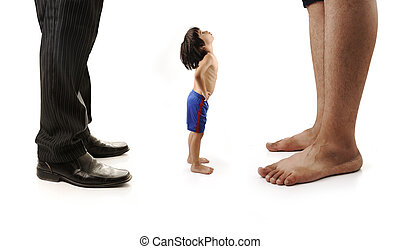 小さい, ビジネスマン, 男性, 小さい子供, 見る, 巨人, はだしで, 1(人・つ), 足, 2