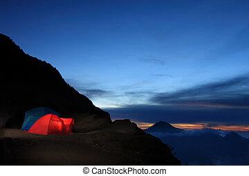 屋外の 冒険, キャンプ