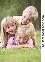 幼児, 3, 屋外で, 微笑, 遊び