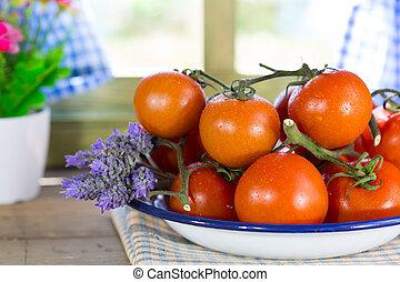 広がり, 熟したトマト