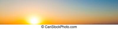 広く, パノラマ, 晴れわたった空, バックグラウンド。, 日没