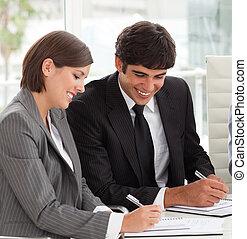 ∥(彼・それ)ら∥, レポート, 販売チーム, 微笑, 2, 勉強, 同僚