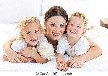 彼女, 子供, 母, あること, ベッド, 幸せ
