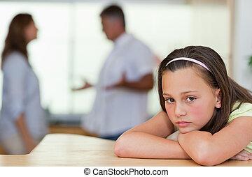 戦い, 彼女, 悲しい, 女の子, 親, の後ろ