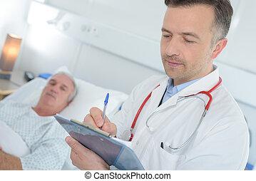 手形が書く, 患者, 健康状態, スタッフ