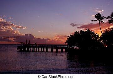 日没, 桟橋