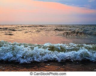 日没, 海, 嵐である